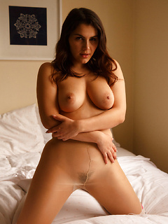 Stunning Italian goddess Valentina Nappi enjoys showing off her perfect body