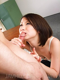 Japanese beauty Kaoru Natsuki treats a guy to a blowjob and a ride from her wet pussy