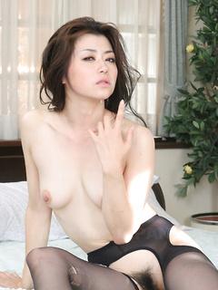 Gorgeous Japanese girl Sayuri Shiraishi fucks an older man that cums on her face
