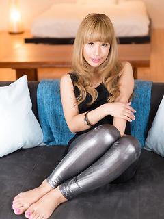 Stunning Japanese looker Natsume Hotsuki uses her feet on a hard boner